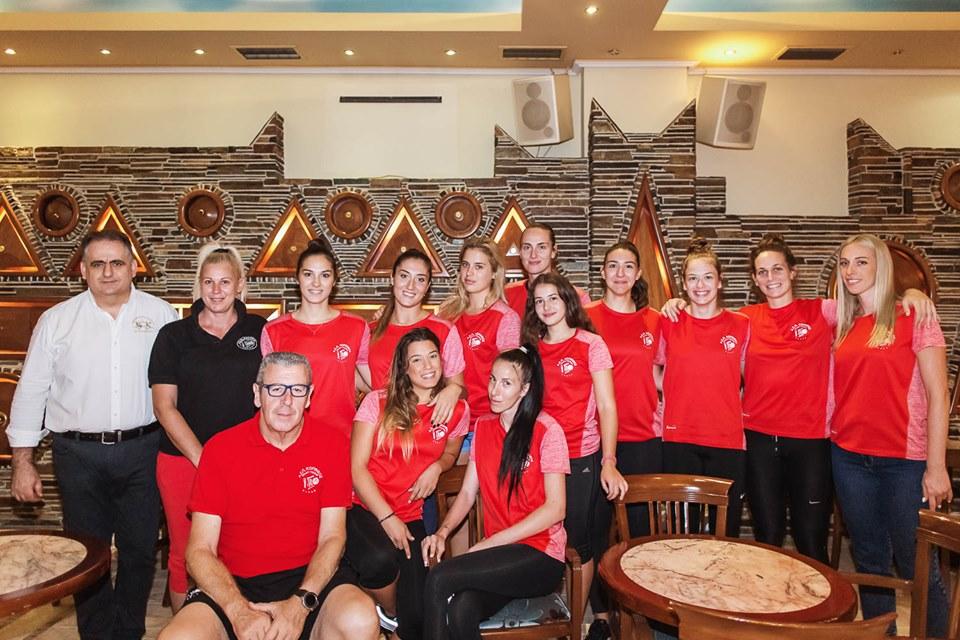 """Το cafe-γλυκοπωλείο Mon Ami """"γλύκανε"""" και φέτος τη γυναικεία ομάδα του ΑΣΠ Κόρινθος"""